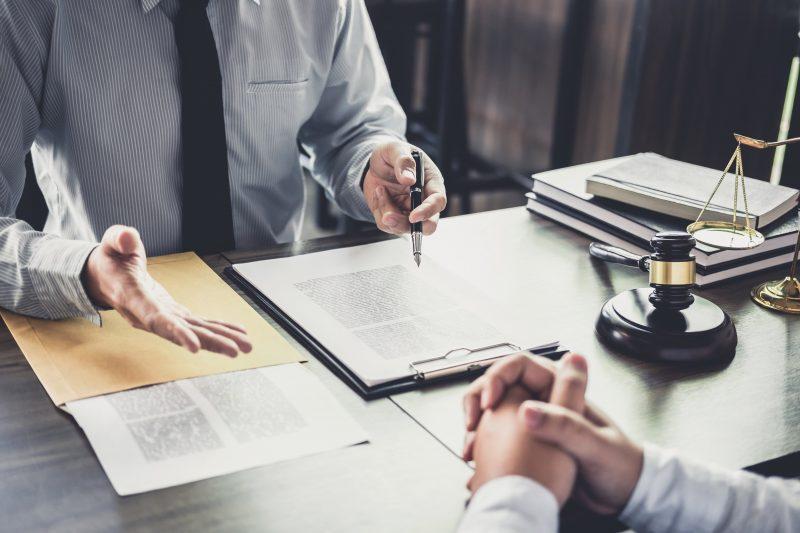 focus-sur-le-metier-de-juriste-d-entreprise